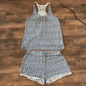 Artisan NY Sleepwear L Blue & White Paisley